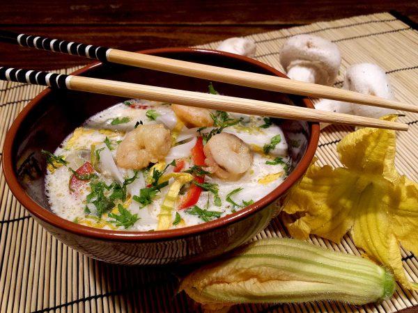 Sopa Thai amb noodles d'arròs