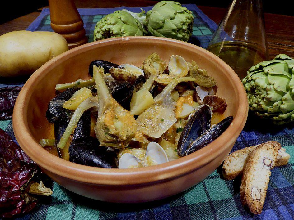 Alcachofas con mejillones y romesco