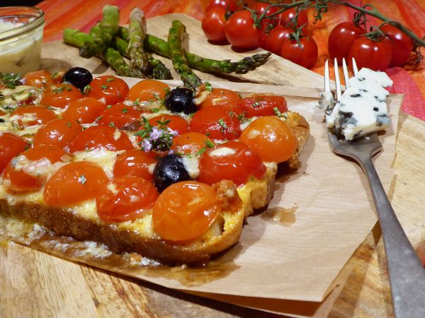 Tatin de tomates cherry y roquefort